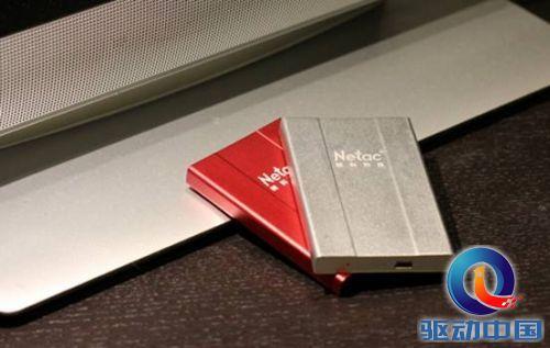 1355989304794 - 四大亮点集一身 朗科卡片式移动硬盘抢鲜看