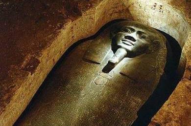 古埃及金字塔盗墓贼遇到的10大神秘诅咒传说