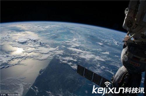 太空看地球高清壁纸_图片素材