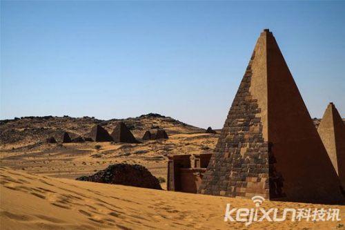 世界八大奇迹金字塔:神秘的法老王诅咒和核废料(5)