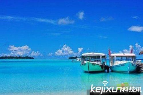 马尔代夫以珊瑚礁石,海浪沙滩,阳光蓝天闻名于世,一岛一个渡假酒店.