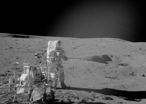 外星人竟在月球背面监视地球 月球暗藏外星人机密