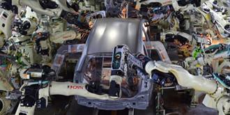 美汽车行业机器人数量猛涨 2018年汽车行业机器人密度将世界第三