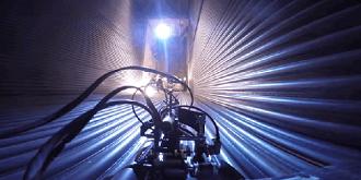 这个爬墙机器人能检查发电厂锅炉!