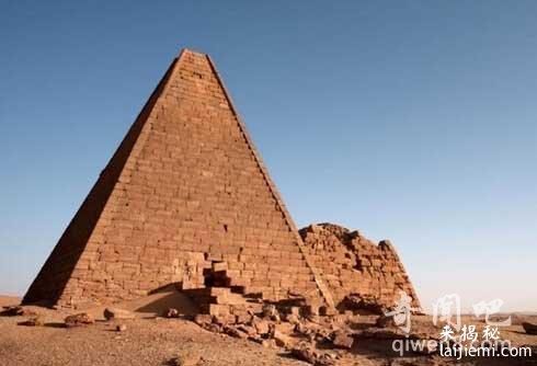 看全球九大神秘金字塔