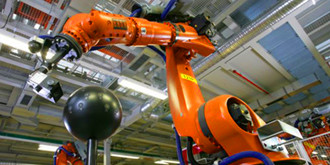 又有人要失业?澳大利亚猪肉加工厂引入会切肉的机器人
