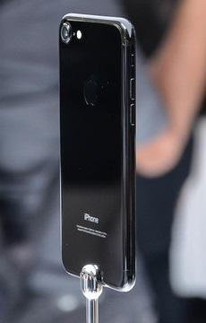 iPhone7/AppleWatch2/AirPods发布会现场各颜色版本真机高清图赏