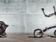你见过这样的折叠自行车吗!紧凑小巧,折叠后还能自己走