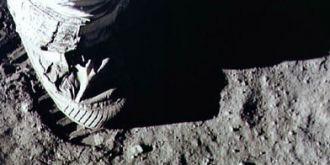 探索:人类登录月球上遗留的脚印会永久吗?