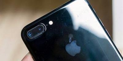 """苹果再陷""""掉漆门"""" iPhone7亮黑色、磨砂黑用户普遍反映掉漆问题"""
