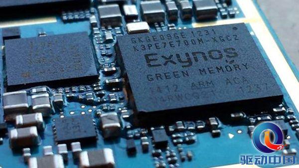 据悉,三星Exynos 7885处理器采用14nm 工艺,集成2个A73+6个A53核心,主频为2.1GHz,GPU为Mali-G71,即将用于2018年发布的Galaxy A7。Exynos 9610处理器则采用最新10nm 工艺,集成4个A73+4个A53核心,主频达到2.4GHz,内置Mali-G71 GPU。 传闻有望搭载于三星和魅族的手机上,将最先使用到Galaxy A7等机型之中,三星将逐渐在中端芯片市场摆脱对高通的以来。另外,解决了全网通问题,这两款中端Exynos 芯片,魅族不知今年能否