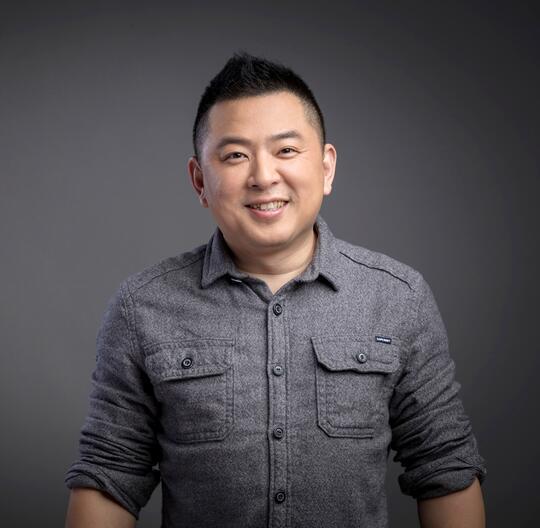 口碑CEO范驰谈新餐饮:线上线下一体化 三位一体经营首发