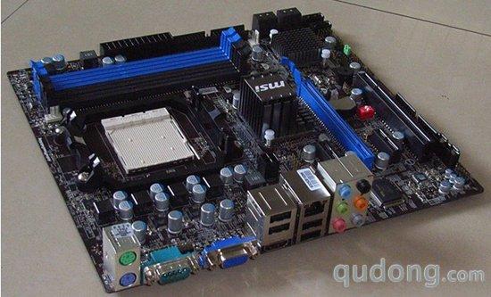 1,典型的4相cpu供电,似乎成了amd低端主板的默认的规格.