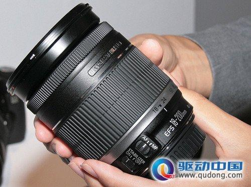 使用方便 佳能EF-S 18-200mm镜头实物图