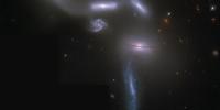 """宇宙中四个星系正在上演""""引力大战"""""""