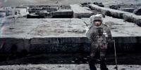 月球UFO基地照片外泄 惊呆全世界(多图)