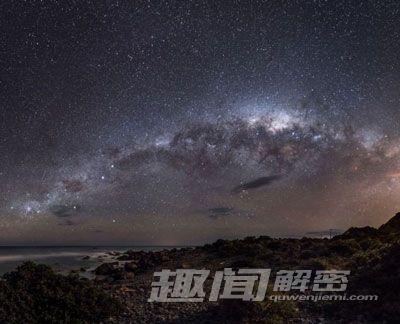 梦幻星空的星系生命由尘埃决定(3)