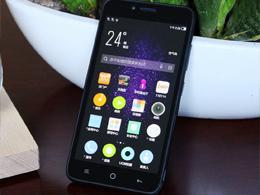 红辣椒国民小匠真机图赏:一款只售399元的亲民手机