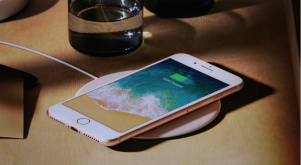 【每日科技】苹果承认故意拖慢旧iPhone OPPO首家超级旗舰店开业