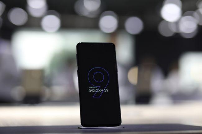 影音娱乐俱佳的Galaxy S9,让你沉浸式领略足球比赛的魅力