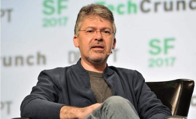 打脸谷歌,苹果挖走谷歌搜索和人工智能前主管