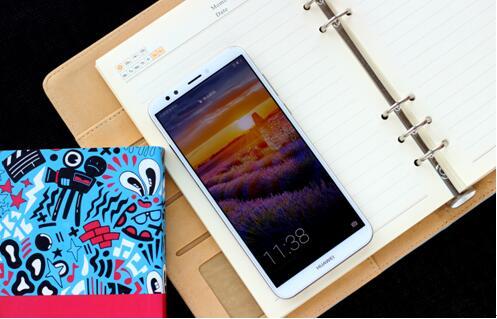 华为畅享8评测:千元机也能有惊艳全面屏和高清双摄