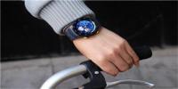 华为新专利曝光:智能手表也能收纳蓝牙耳机?