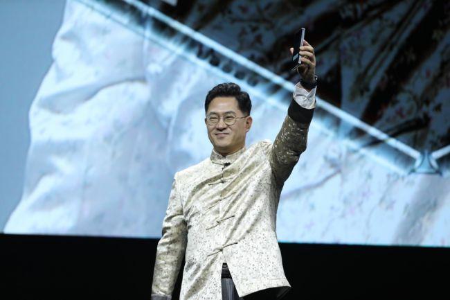 三星Galaxy Fold亮相中国 开创移动智能终端新品类