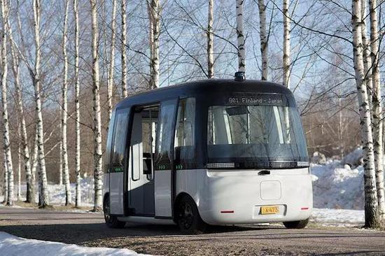 MUJI携手Sensible 4 推出首款无人驾驶巴士!