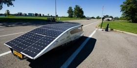 利用太阳能给电动车充电?言之尚早
