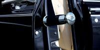 汽车厂商模仿成风,为何不学劳斯莱斯在车门内放置雨伞?