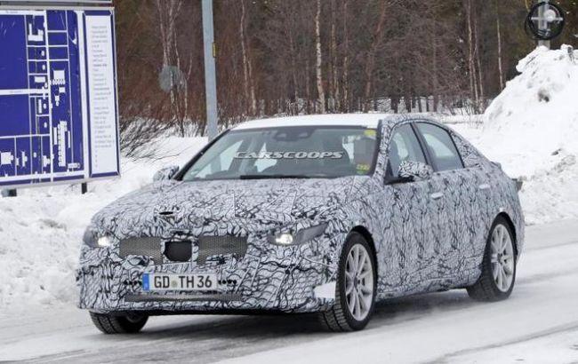 全新一代奔驰C级插混版测试车谍照曝光 或将于明年发布