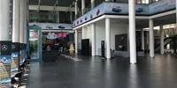 """西安利之星4S店被""""暂停新车销售业务"""" 展厅车辆一夜清空"""