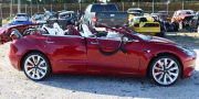 特斯拉Model 3车祸惨遭削顶 但这不是自动驾驶的错