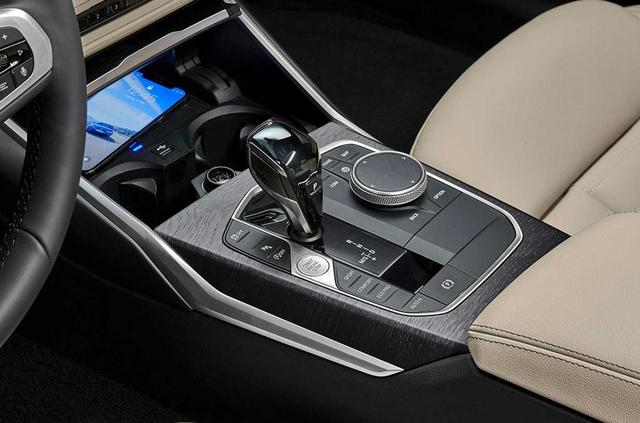 全新一代3系旅行版官图发布 后风挡可独立开启-阿里汽车