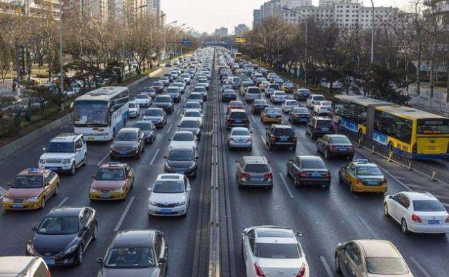 7月份销量跌幅开年来首次低于5%  国内车市将迎来拐点?