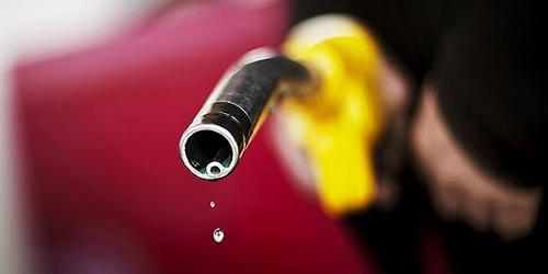 """新一轮成品油调价窗口开启汽油价格回归""""6元时代"""""""