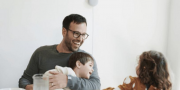 Google Nest Mini提前曝光,但意外撞臉Google Home Mini