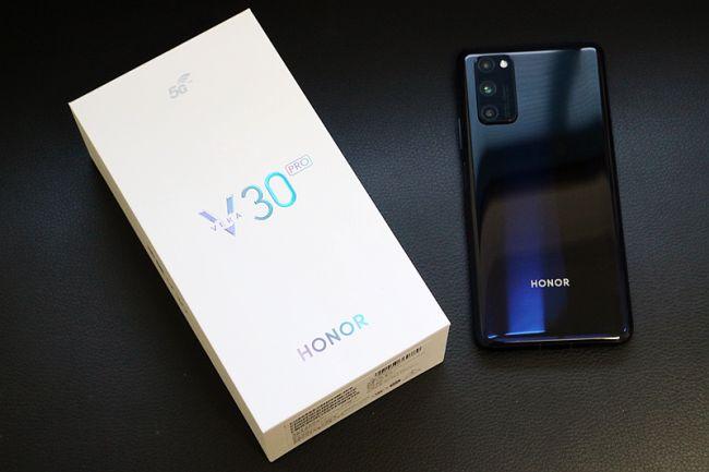 """5G手机新标杆!荣耀V30 Pro 荣获驱动中国2019""""年度最佳5G手机""""奖"""