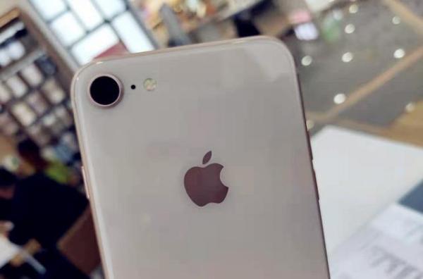 iPhone 9吐槽声两极化:香不香发布后便知!