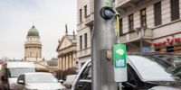 为解决充电难  西门子在伦敦安装路灯充电桩