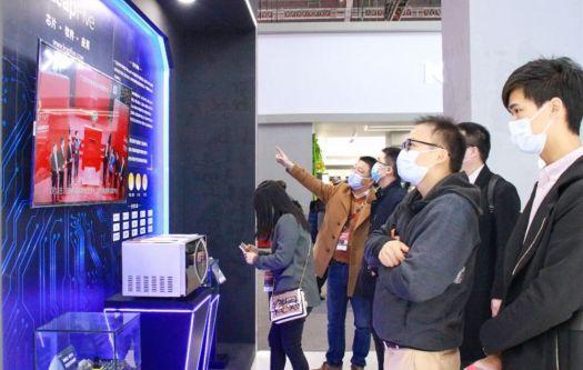格兰仕携芯科技、新产品、新场景亮相AWE2021