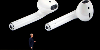 AirPods用来监测体温和姿势就够了?苹果:还可作为助听器