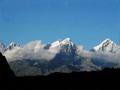 美丽神圣的贡嘎雪山全貌