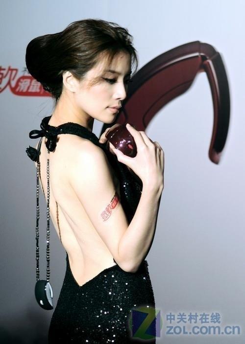 时尚女性最佳配彩色微软Arc鼠标评测